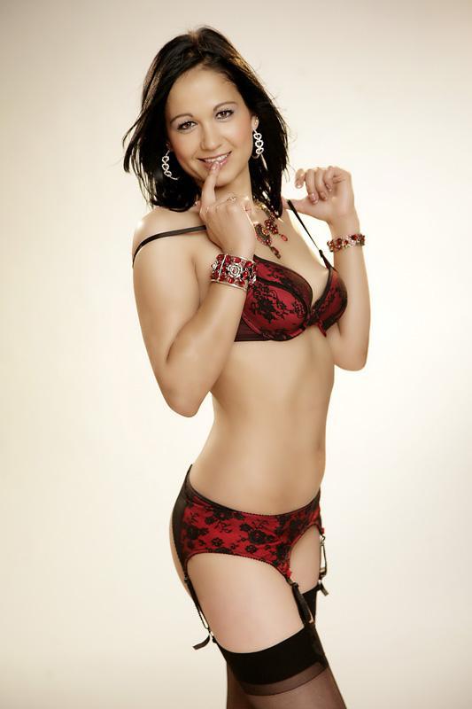 Picture 04 of Soraya